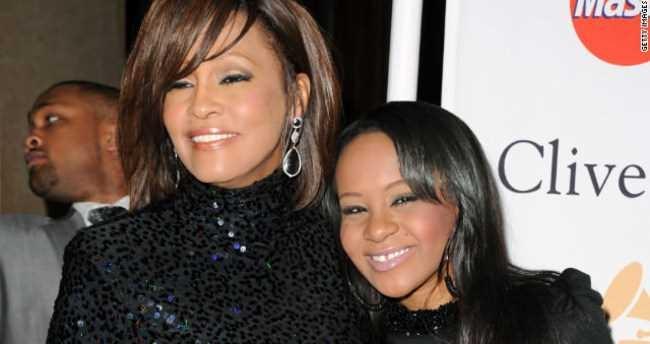 Whitney Houston'un kızı ölmek üzere galerisi resim 1