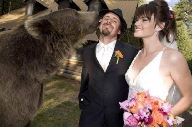 Böyle düğün fotoğrafı gördünüz mü? galerisi resim 1