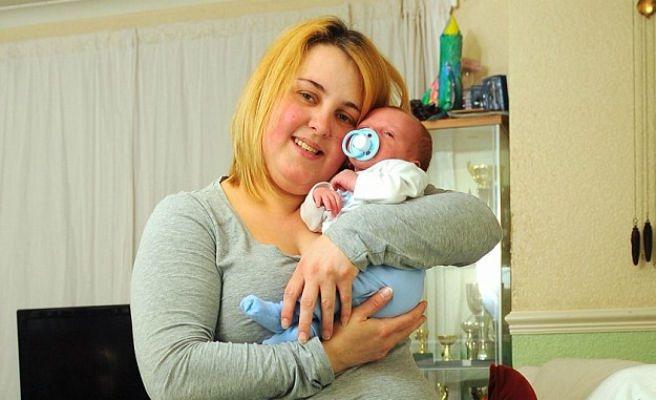 Hamile Olduğunu Anlamayan Kadının Şaşırtıcı Doğum Hikayesi galerisi resim 1