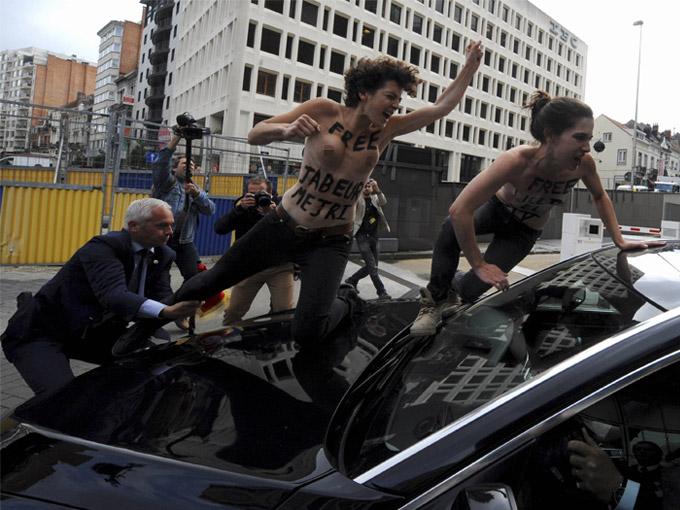 FEMEN ÜYELERİ BU KEZ BRÜKSEL'DE