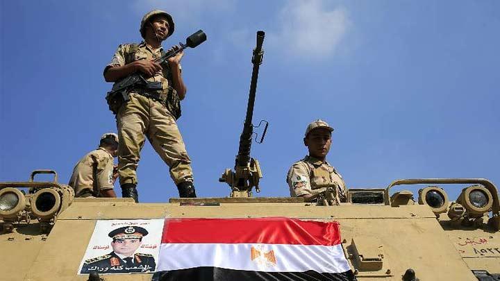MISIR'DA TANSİYON DÜŞMÜYOR