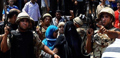 MISIR'DA GÖSTERİCİLERE YÖNELİK GÖZALTILAR