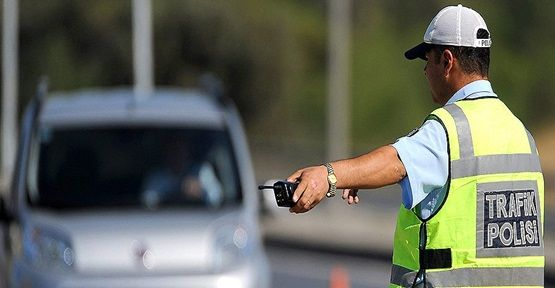 POLİSİN HAFTALIK ARAÇ KONTROLLERİ DEVAM EDİYOR