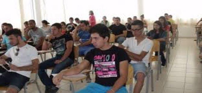BÜLENT ECEVİT ANADOLU LİSESİ İLE 20 TEMMUZ FEN LİSESİ'NE YERLEŞTİRİLEN ÖĞRENCİLER AÇIKLANDI