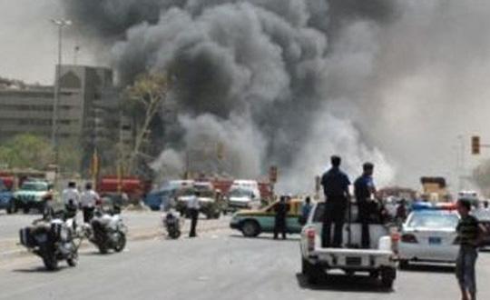 BAĞDAT'TA  BOMBALI SALDIRI 4 KİŞİ ÖLÜ, 12 KİŞİ YARALANDI