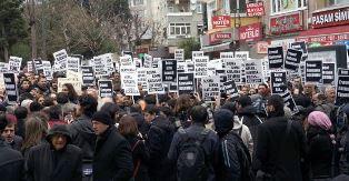 """DEĞİRMENLİK KÖKENLİ RUMLAR """"ANTİ İŞGAL"""" YÜRÜYÜŞÜ GERÇEKLEŞTİRDİ"""