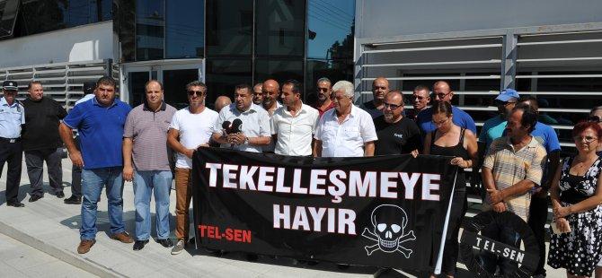 TEL-SEN'DEN KUZEY KIBRIS TURKCELL ÖNÜNDE EYLEM
