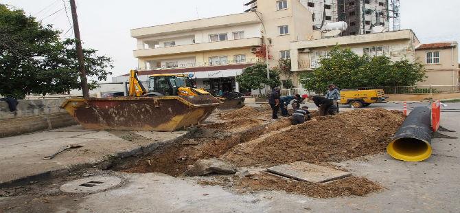 GAZİMAĞUSA'DA 'YAĞMUR SUYU' ÇALIŞMASI