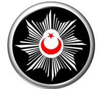 POLİSTEKİ EMARE ARACI SOYARKEN YAKALANDI!