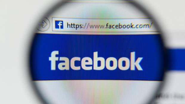 Kıskançsanız Facebook kullanmayın!