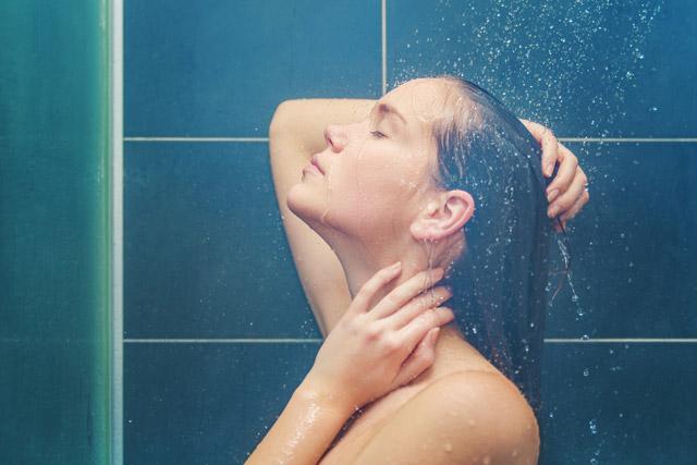 DİKKAT! Duş alırken bunu sakın yapmayın!