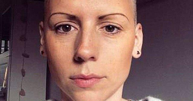 Kanser olduğunu Facebook'tan öğrendi