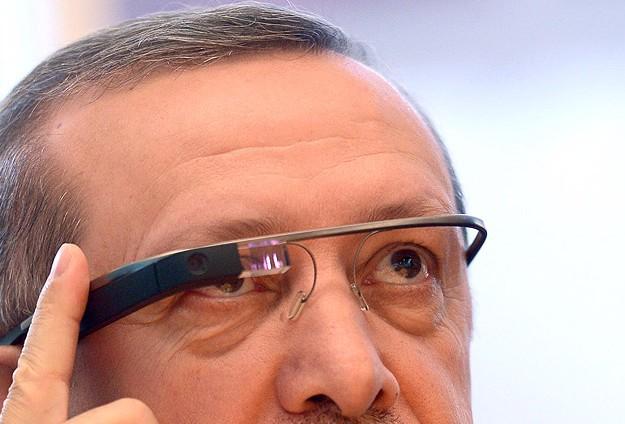 """""""GOOGLE GLASS""""I TEST ETTİ"""