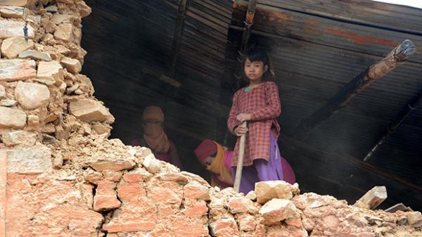 NEPAL'DE 1,7 MİLYON ÇOCUK ACİL YARDIMA MUHTAÇ
