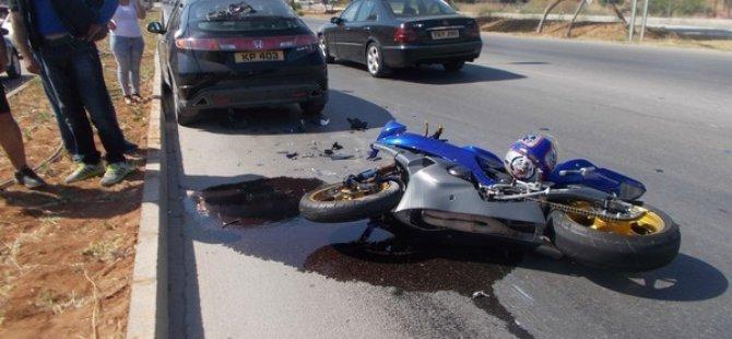 MAĞUSA'DA KORKUTAN MOTOSİKLET KAZASI!