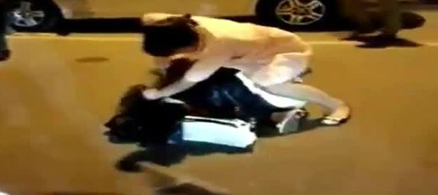 Kocasının sevgilisinin sokak ortasında pantolonunu açıp...