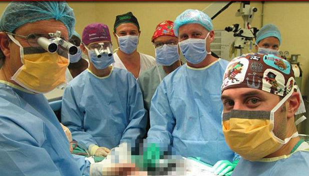 İlk cinsel organ nakli yapılan hastadan mutlu haber!
