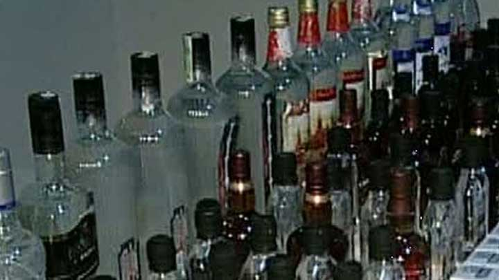 Sahte içkiden 33 kişi öldü