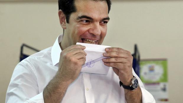 Yunanistan'da tarihi referandumdan ilk sonuçlar