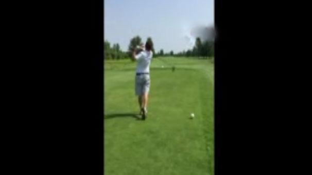 Golfçüden ölüm vuruşu!