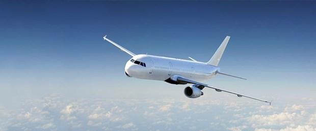 Sarhoş pilot ve mürettebat uçuş iptal ettirdi