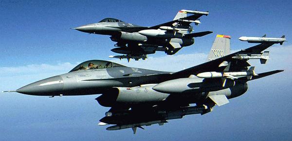 Savaş uçakları Türkiye'de...