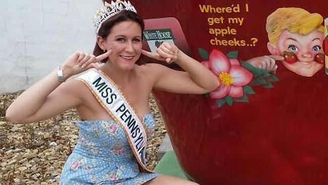 Güzellik kraliçesi dolandırıcı çıktı