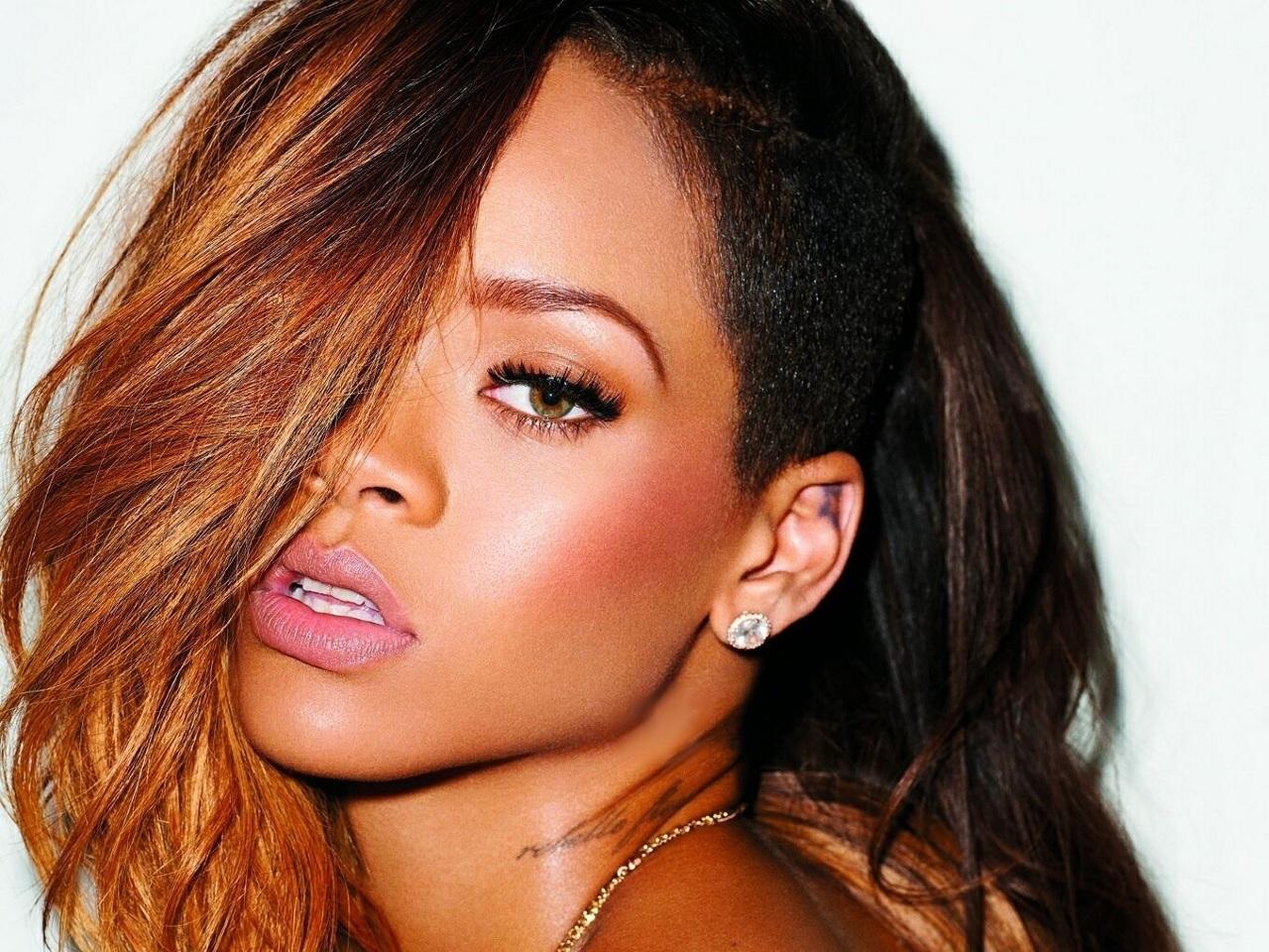 Rihanna öptü, sakatlandı!