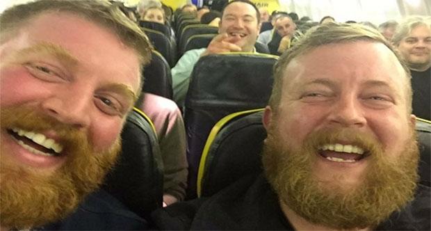 Uçakta şaşırtan tesadüf