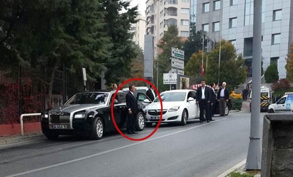 Ağaoğlu'nu Yolda Beklerken Görenler Şaşırdı!