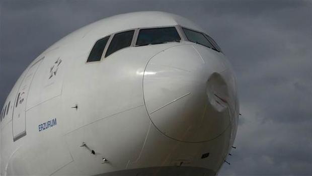 Pilot onu farkedince...