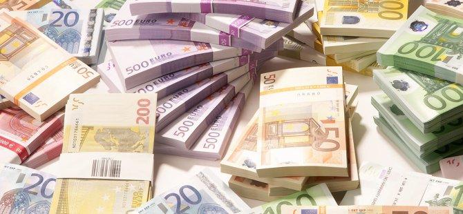 20 BİN EURO İLE KKTC'DEN ÇIKMAYA ÇALIŞIRKEN
