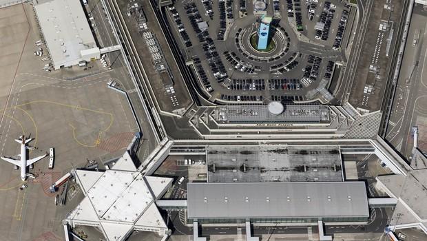 Köln Havalimanı'nda uçuşlar durduruldu