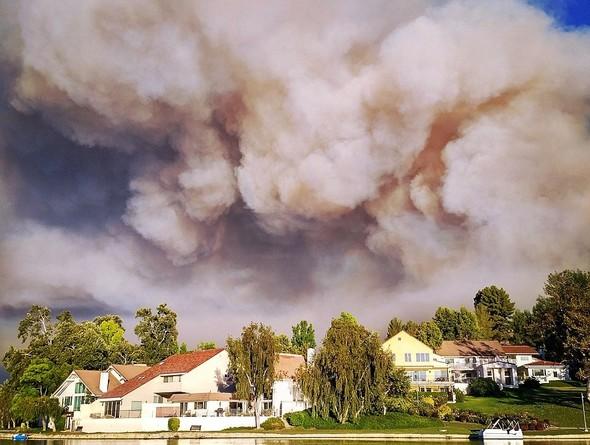 'Ünlülerin kasabası' cayır cayır yanıyor!