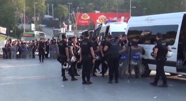 BİNLERCE POLİS TAKSİM'DE