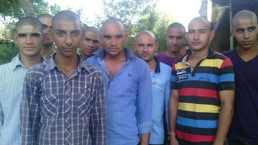 140917141136_hindu_men_512x288_bbc_nocredit.jpg