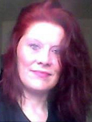 2758a03600000578-3028987-natasha_elderfield_41_is_on_trial_at_oxford_crown_court_accused_-m-10_1428422637882.jpg