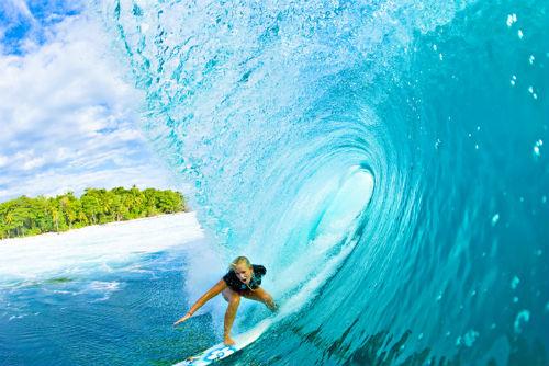 bethany-hamilton-surfing1.jpg