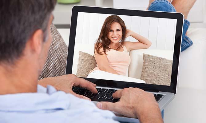 erkek-laptop-kadin-internet-400.jpg