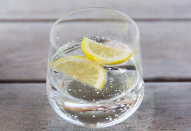 iceceklerine-limon-ekleyenler-dikkat--12494538.jpeg